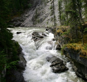 maligne-canyon-panorama-4